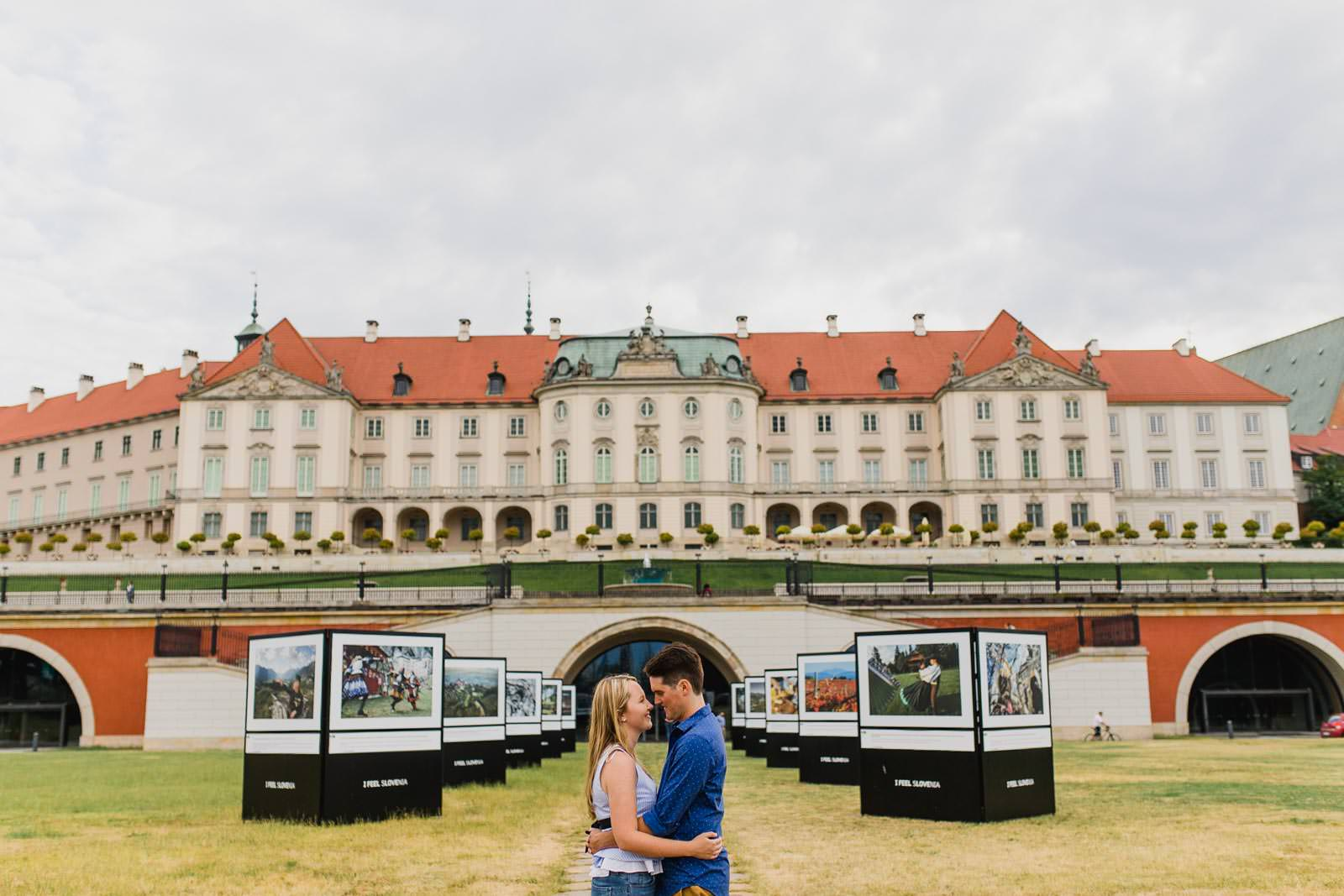 fun and spontaneous couple photography warsaw 8