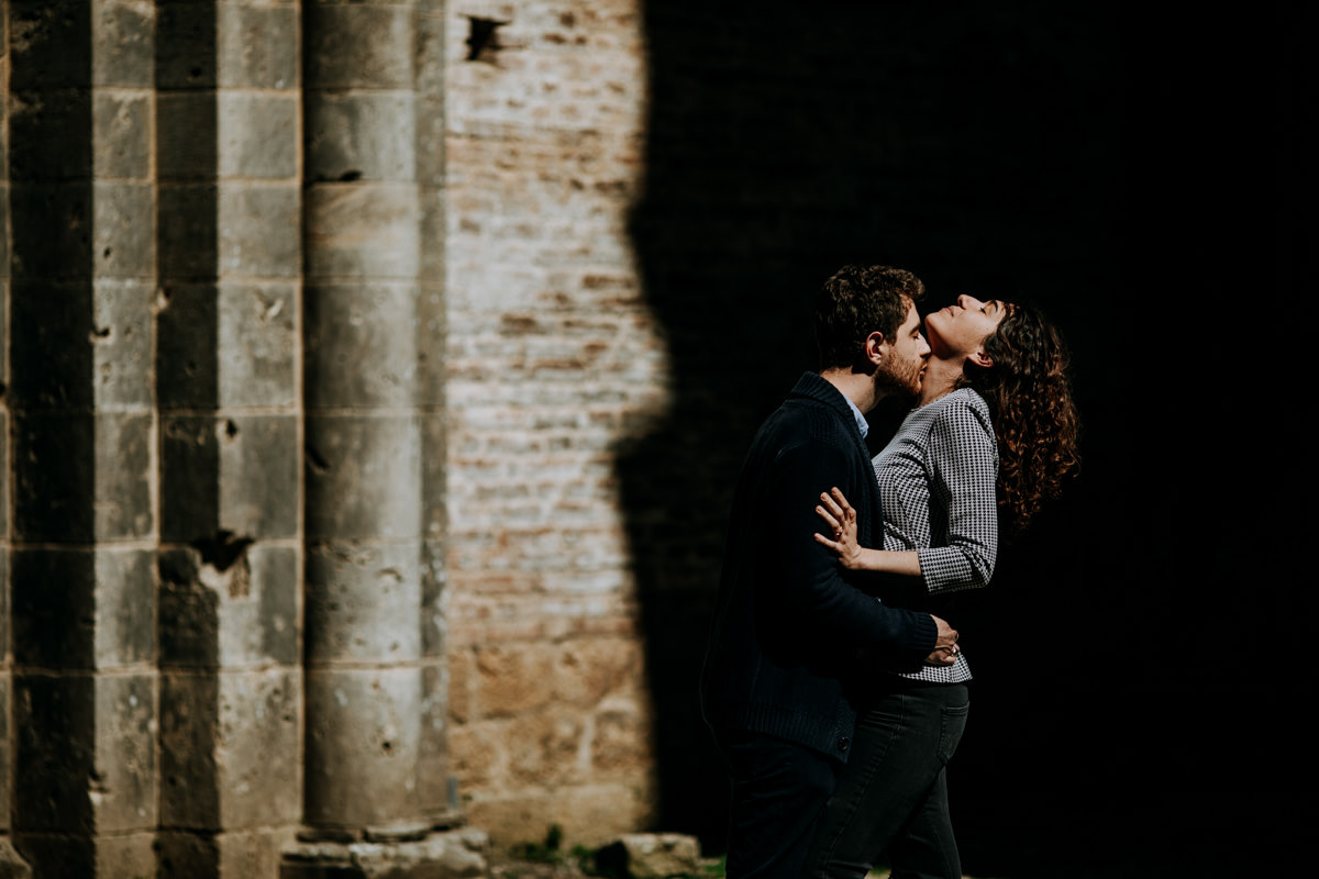 engagement photographer san galgano abbey 14