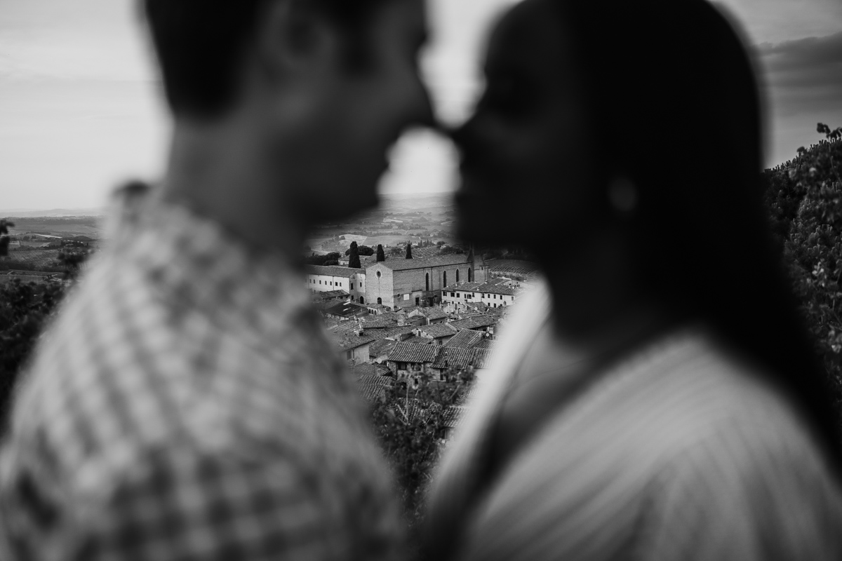 engagement photography san gimignano 15