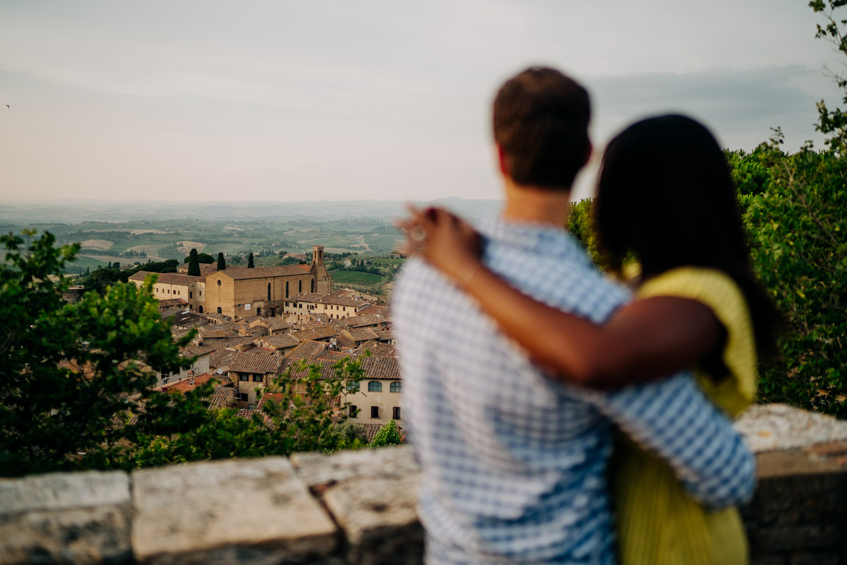 engagement photography san gimignano 16